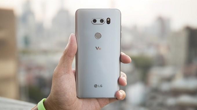 ĐIỆN THOẠI LG V30 mới 99%